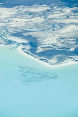 Vista a�rea de islas en el Caribe desde un avi�n privado