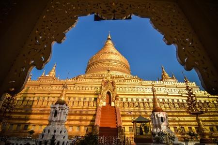 gold: Gold pagoda