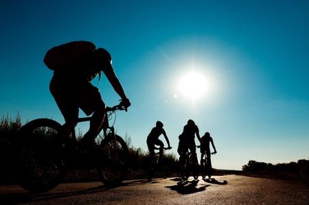radfahren: Gruppe von Radfahrern radeln in motion Lizenzfreie Bilder