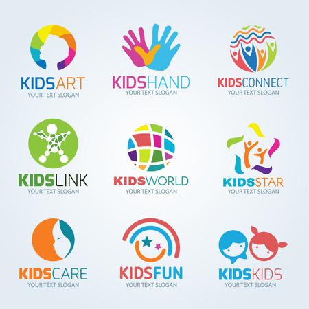 arbol genealógico: diseño de logotipo de niños niño conjunto de vectores
