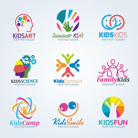 Arte colorido de los niños conjunto de diseño vector de la insignia Ilustración de vector