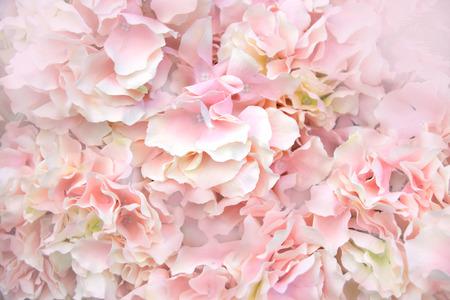クローズ アップ ピンク造花柔らかい光の抽象的な背景