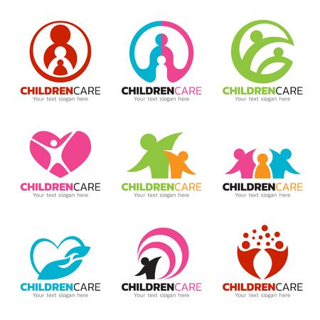 子供のケアと家族ケア ロゴのベクトルのデザインを設定します。