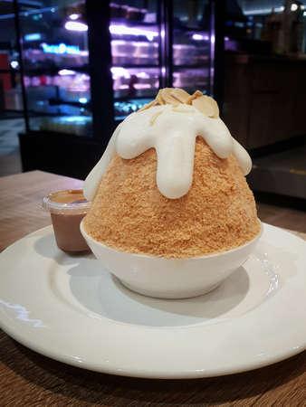 Thai tea kakigori bingsu ice smooth shaved japanese dessert