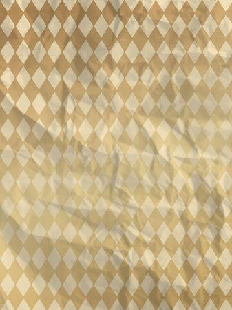 textura papel: Papel de embalaje de la vendimia con los rombos de oro en textura de papel arrugado