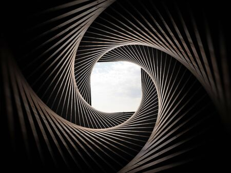Wood stripped swirl tunnel with sky view on the end Zdjęcie Seryjne