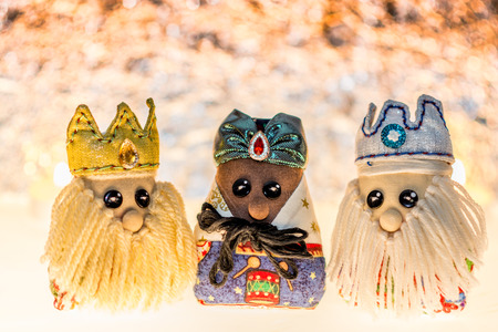 Three wise men made of cloth, traditional dolls of cloths for your christmas decoration. Banque d'images