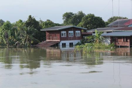 Thailand überschwemmte, Ban Mi Bezirk, Lopburi, Thailand am 2. Oktober 2011