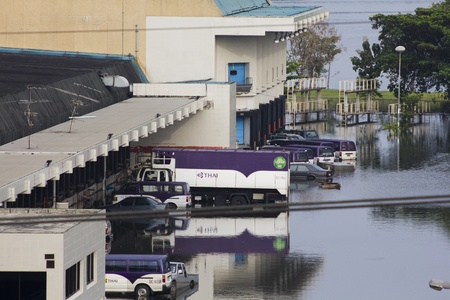 tollway: BANGKOK-NOV 5:Flood hits Bangkok areas around Tollway, F&B Thai Airways Buildings distribution center (Donmuang) affected by flood on November 5, 2011 on vibhavadee Rd,Thailand (Donmuang Area) Editorial