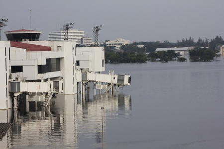 tollway: BANGKOK-NOV 5:Flood hits Bangkok areas around Tollway, higher water levels than expected,Donmuang Airport affected by flood on November 5, 2011 on vibhavadee Rd,Thailand (Donmuang Airport) Editorial