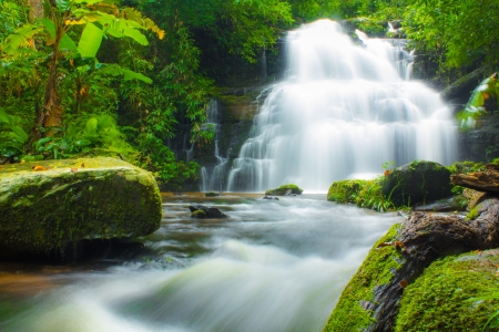 cascades: Mundaeng Waterval, Thailand