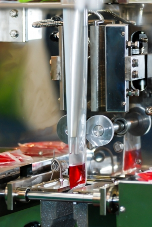Filling machine red water for the example bag