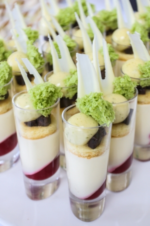 panna cotta: Sweet dessert for cocktail party