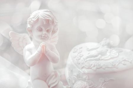 赤ちゃん天使の小像
