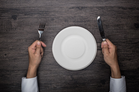 paper plates: Dining