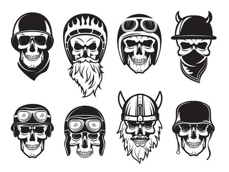 Schädel-Bandana-Helm. Biker Rock Symbole Tattoo Vektor schwarze Bilder. Illustration des Rock-Biker-Schädels, Satz von Tattoo-Vintage-Zeichnung