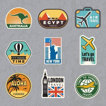 Reise-Vintage-Aufkleber. Sommerferien-Etiketten für die tropische Reisevektor-Logosammlung des alten Gepäcks. Illustration des Reiseetiketts für Gepäck, Aufkleberanhänger