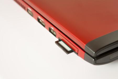 Podłączenie karty SD do komputera osobistego gotowy do przesyłania plików zdjęcia