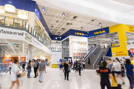 Smut Prakan, Thailand - December 10,2017: Voorwinkel van IKEA Bangkok Store in Mega Bangna, Samut Prakan, Thailand. Ikea is 's werelds grootste winkel voor meubelwinkels. Ikea is een winkel voor meubels met slaapcomfort. Redactioneel