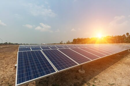 Solar panel, alternative electricity source, concept of sustainable resources, And this is a new system that can generate electricity more than the original, Thiss the sun tracking systems. Stockfoto