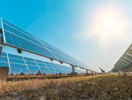 Solar panel(solar cell) with the cloud on sky, hot climate causes increased power production, Alternative energy to conserve the world's energy, Photovoltaic module idea for clean energy production. 版權商用圖片
