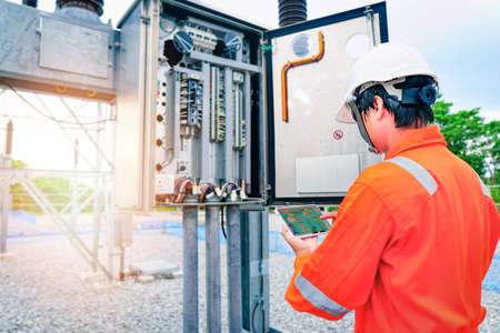 Thermal scan and then send the image data to the tablet to check for faults in equipment, or preventive maintenance to reduce the damage of equipment, Concept to professional engineer on industrial.
