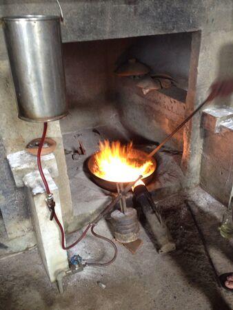 smelting: Gold smelting