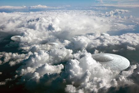 platillo volador: representación 3D de OVNI platillo en las nubes