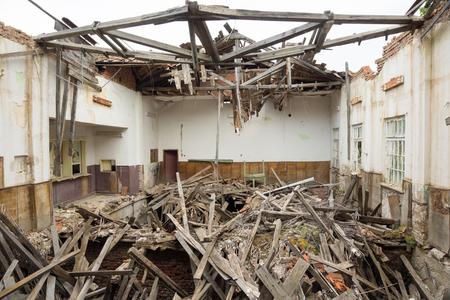 Indoor of old abandoned school in desolate village Banque d'images - 111034943