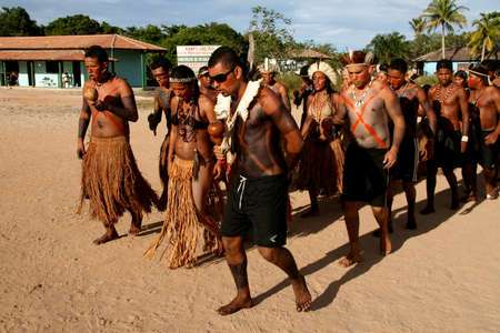 santa cruz cabralia, bahia / brazil - april 19, 2009: Pataxo Indians are seen during disputes at indigenous games in the Coroa Vermelha village in the city of Santa Cruz Cabralia. Éditoriale