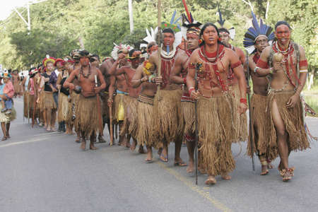 porto Seguro, bahia / brazil - july 4, 2009: Pataxo Indians are seen during demonstration on the federal highway BR 367 in Porto Seguro, due to an accident with local deaths. Éditoriale