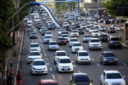 salvador, bahia, brazil - january 17, 2018: vehicle movement during congestion on Avenida Tancredo Neves in the city of Salvador. Sajtókép