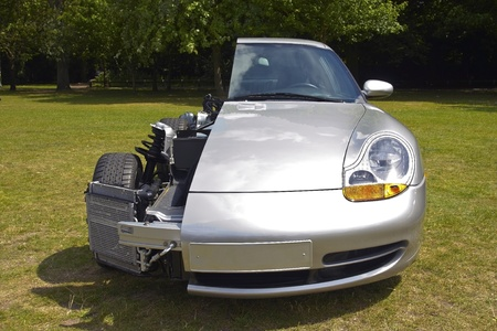 Die Hälfte der modernen Silber Wagen