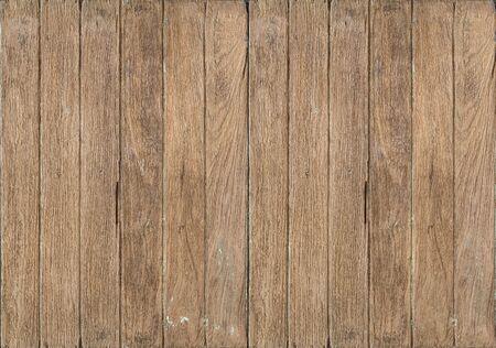 Oud houten raamkozijn dat op witte achtergrond wordt geïsoleerd