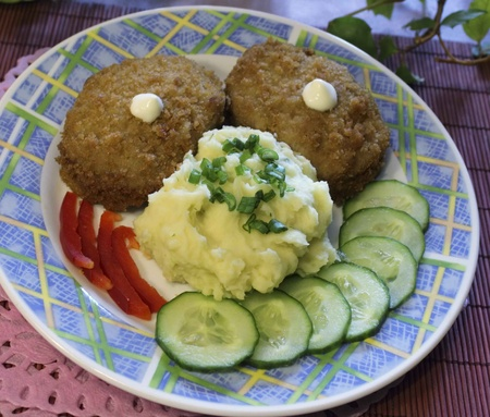 carne macinata: carne tritata con pur� di patate e verdure Archivio Fotografico