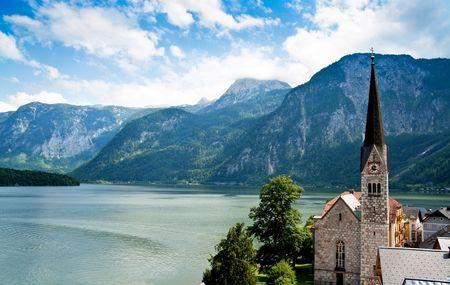 Church of Hallstatt with Lake and Mountain Stock Photo - 7471685