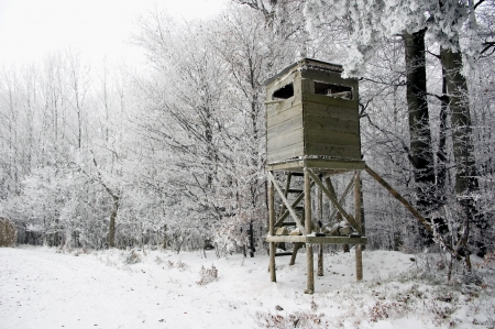 deer hunting: Hunting Tower in Winter Stock Photo