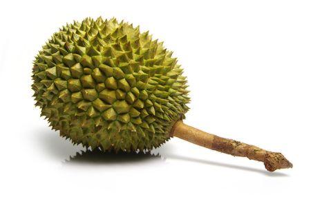 pungent: Spinosa, pungente durian frutta (Durio zibethinus). Frutti interi. Girato in bianco.