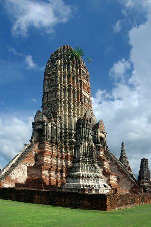 The Buddhist temple of Wat Chaiwatthanaram in the city of Ayutthaya, Thailand photo