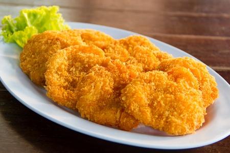 Fried shrimp with Lettuce on dish