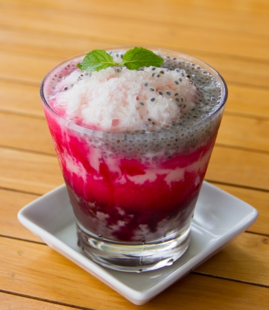 Shave ice with mind in the glass