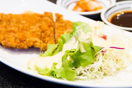 fritter: Fritter pork with salad vegetables