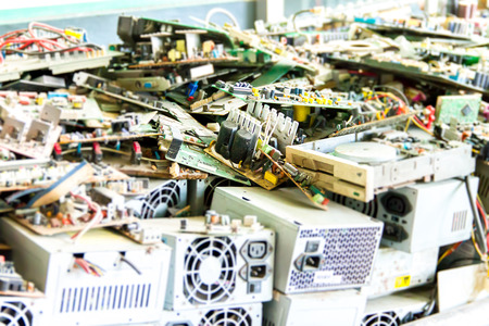 circuitos electronicos: La basura electrónica listo para el reciclaje (ordenador placa base) Foto de archivo