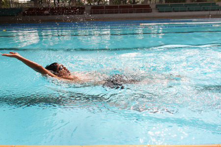 backstroke  in the swimming pool Banque d'images