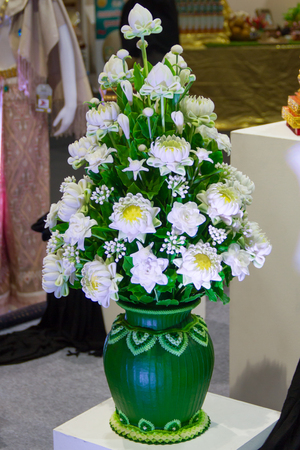 flowers arranged in lotus-shape