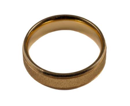 anillo de matrimonio: Anillo de bodas de oro de masculino  Foto de archivo