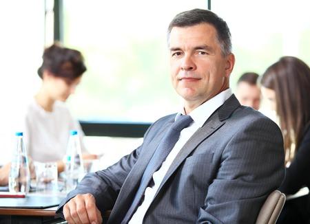broker: Retrato de hombre de negocios superior