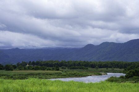 Beautiful Moei River interspersed with trees and mountains, View from Thailand. 版權商用圖片