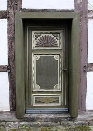 talla en madera: Puerta vieja con la talla en madera