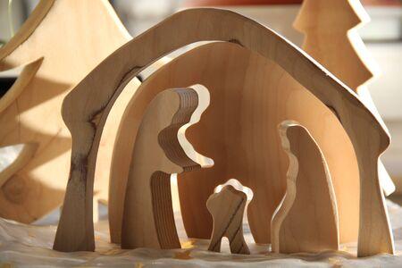 tallado en madera: Escena simple de la natividad de madera Foto de archivo